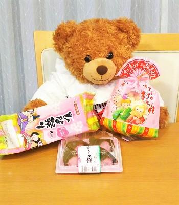 ひな祭りお菓子とあーちゃん
