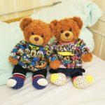 病院ベッドで付き添う二人